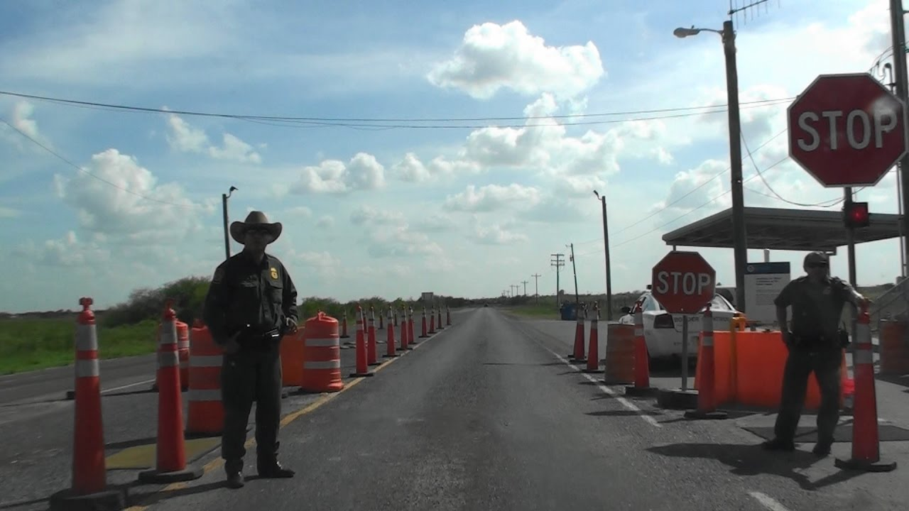 BORDER PATROL CHECKPOINT, BOCA CHICA HWY, TEXAS, USA