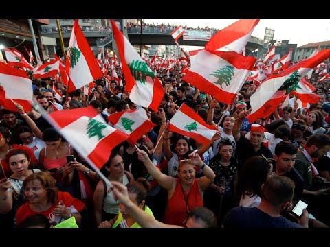 الجيش اللبناني يمنع أنصار حزب الله وحركة أمل من الاحتكاك بالمتظاهرين  - 22:55-2019 / 10 / 21