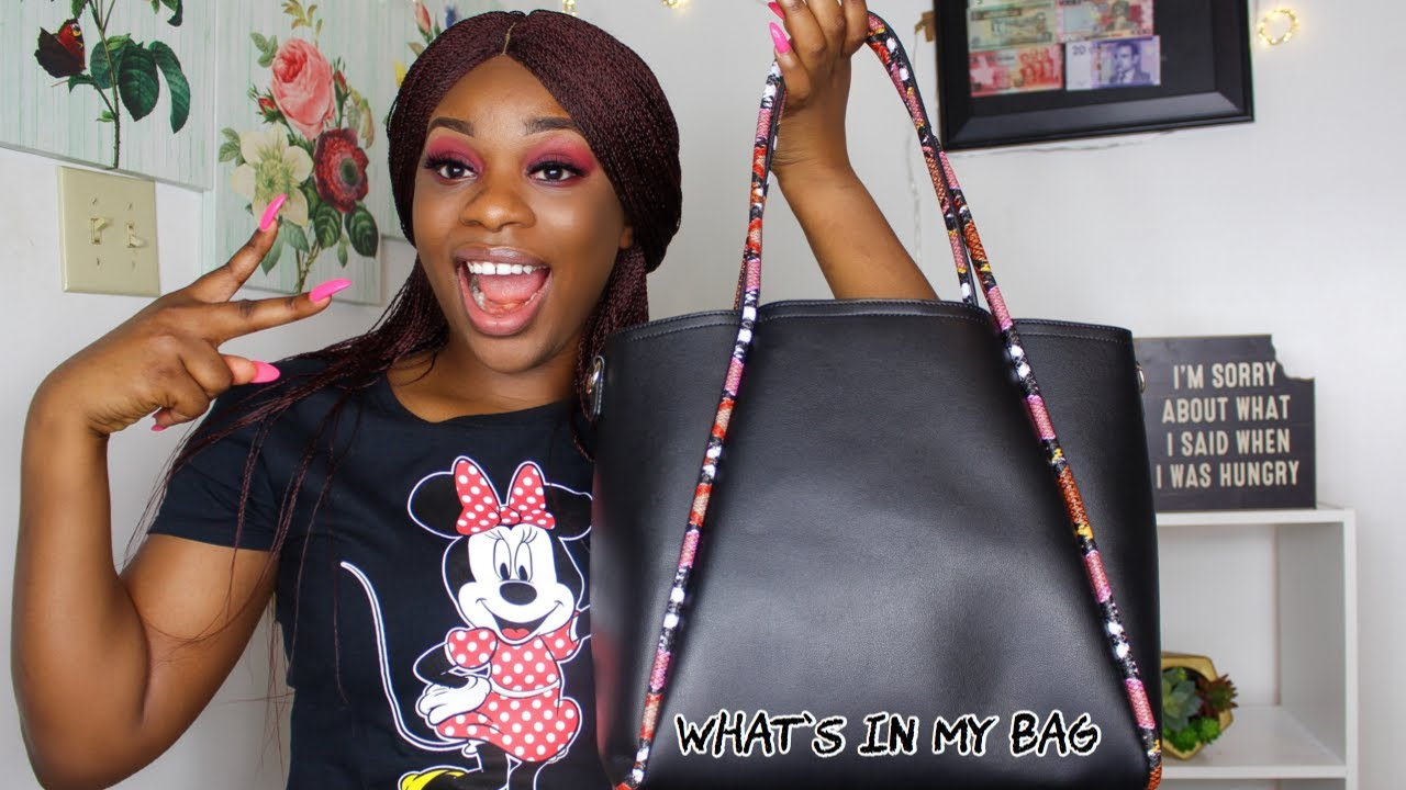 WHAT'S IN MY WORK BAG 2020|| BANKER EDITION!!!!!!!