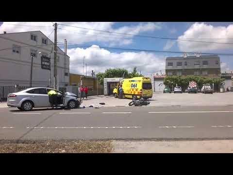 Falece un motorista nun choque frontal en Sarria