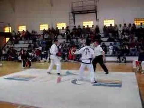 Taekwondo vs Karate 1er round Puerto Deseado - YouTube