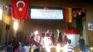 23 nisan int  kinderfest neuwied tanzgruppe