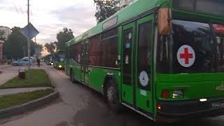 """Колонна """"военных"""" автобусов проехала по Бердску в военный городок"""
