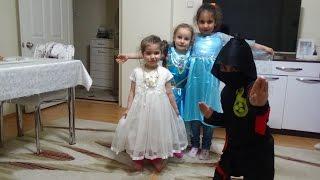Misafirlerimizle Mini Kostüm Yarışması