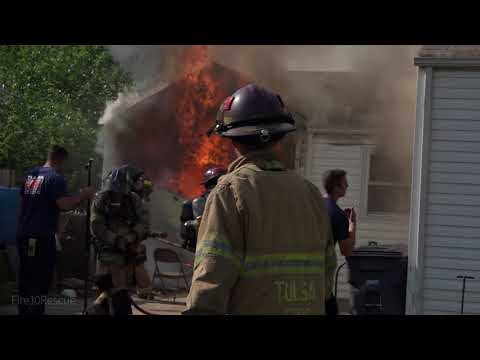 Tulsa Engine 10 stretches in on a House Fire 6-13-18