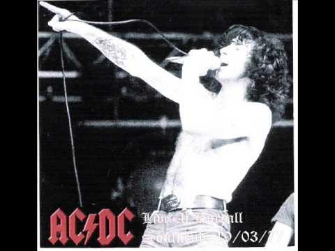 AC/DC - High Voltage - Live [Southend 1977]