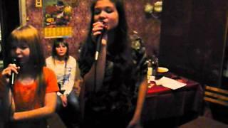 Певицы Настя и Катя(21.02.10).MOV mp3