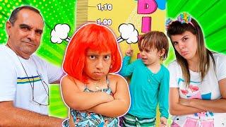 Maria Clara quer ser alta e brincar na piscina e no trampolim  Família MC Divertida