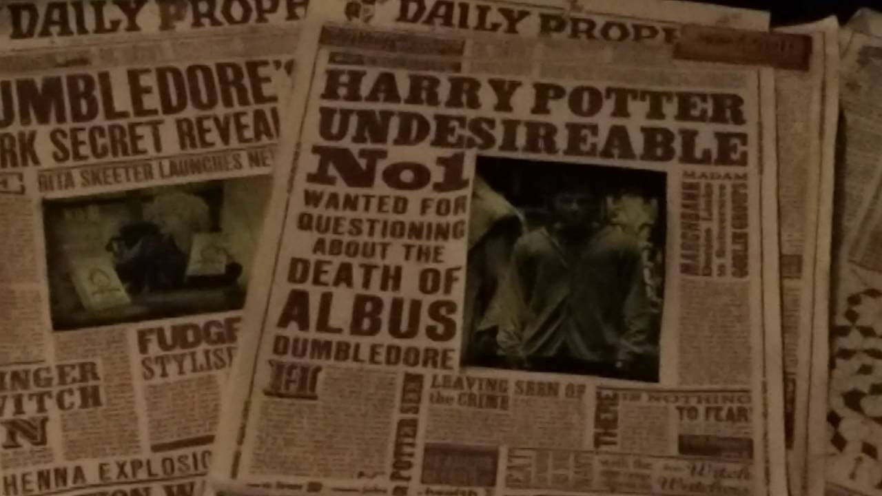 Moving Newspapers At Harry Potter Diagon Alley Youtube