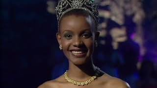 Crowning Moment: Miss Universe 2000