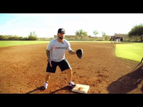 How to Cover the Bag and Turn a Double Play With MLB Infielder Ryan Roberts