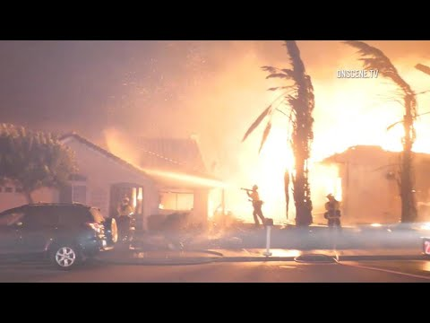 Woolsey Fire threatens thousands of homes in Southern California