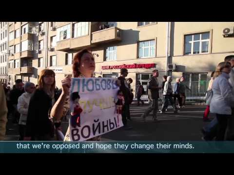 Russians march for peace in Ukraine