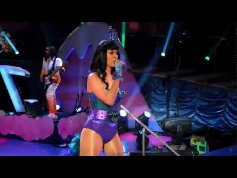 Katy Perry - Peacock - Live - Part of Me 3D