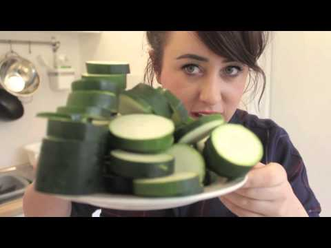 Quick & Easy Courgette Soup! | HealthyHappyLife