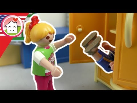 Playmobil english The New Kid in the Cabinet - The Hauser Family
