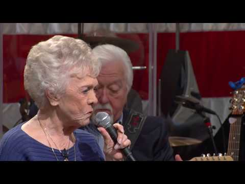 Jean Shepard sings The Wonders You Perform on Country's Family Reunion