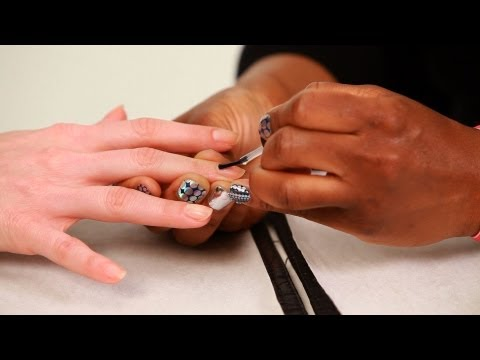 how-to-apply-nail-base-coat-|-manicure-tutorials
