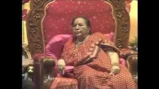 Shri Mahalakshmi Ashtakam (Sahaja Yoga) Shri Mataji Diwali 2007 (Noida Delhi India)