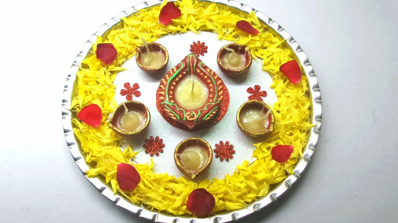 How to decorate pooja thali simple and easy decoration for Aarti thali decoration pictures navratri