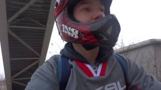 v tt log 3   angry people dh descente urbaine rouen