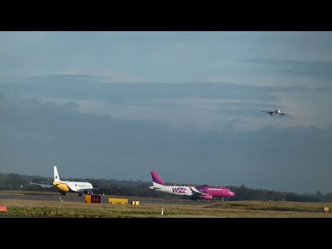 Departures and Arrivals at London Luton Airport | Saturday 17th January 2015