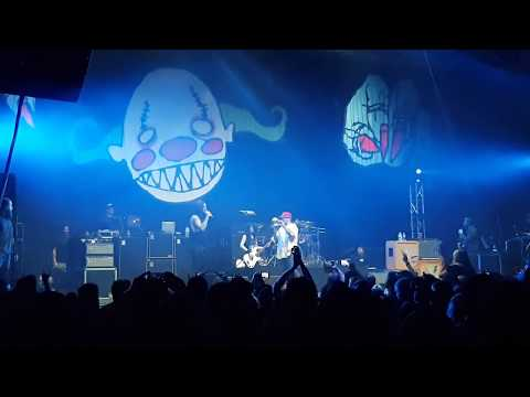 Limp Bizkit Nookie (live) Auckland 2018 With fan on stage.