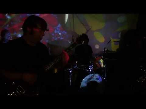 The Neighbourhood Strange - Lucy Leave mp3