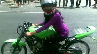 Drag Bike wanita aselole.mp4