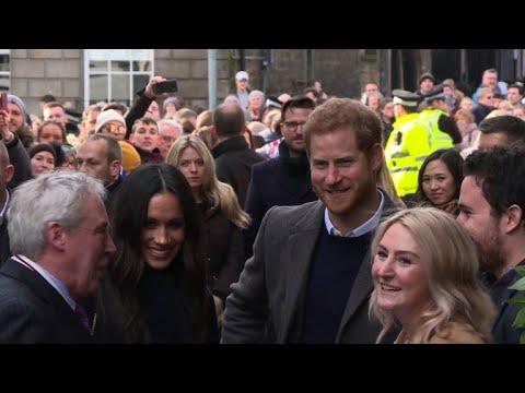 Prince Harry and fiancee Meghan visit Edinburgh castle (2)