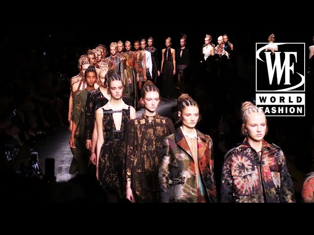Valentino Spring-Summer 2016 Paris Fashion Week
