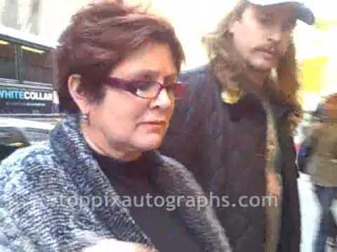 Carrie Fisher - Signing Autographs At