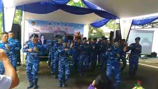 Download Video minum susu TNI AU...bergoyang?? MP3 3GP MP4