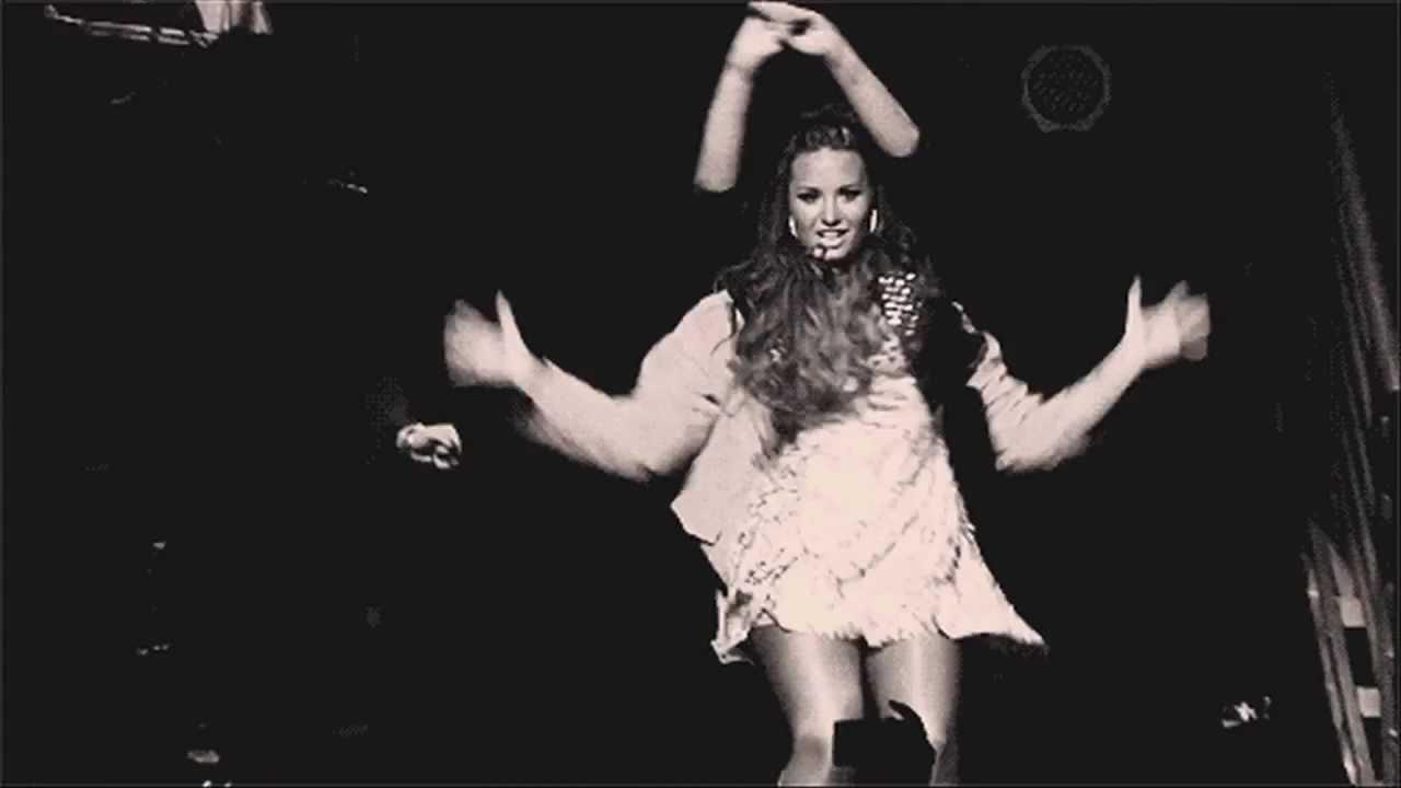 Demi lovato dancing in the dark