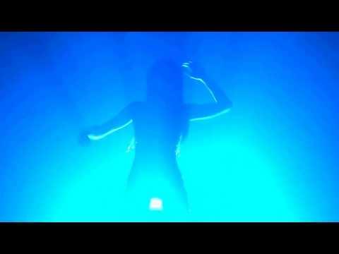 Футаж танцующая девушка