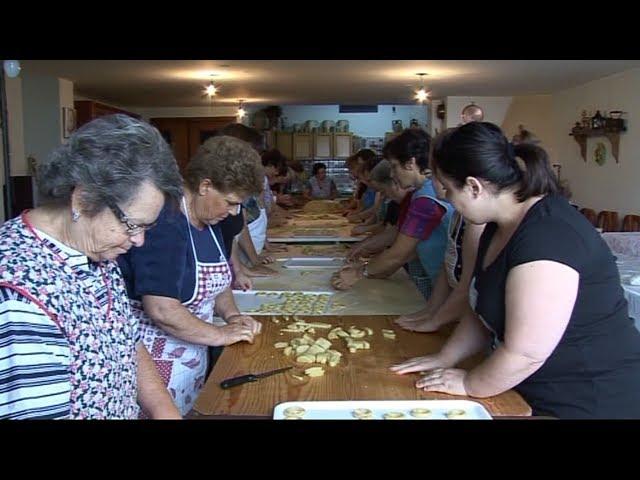 GAMBATESA: MADONNA DELLE TRAGLIE - PREPARAZIONE TARALLI 2011