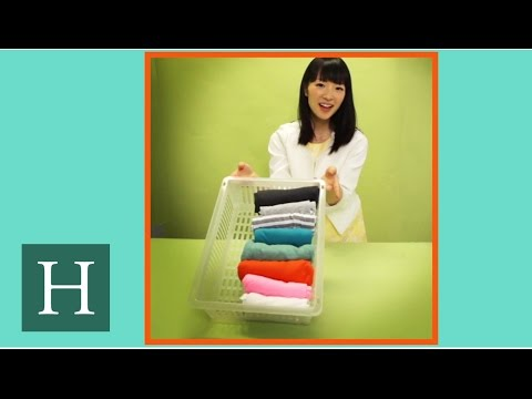 Marie Kondo, Queen Of Organization, Shows Us The Perfect Way To Fold A T-Shirt