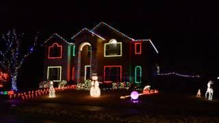 Lumini de Craciun sincronizate cu muzica - Dec 24, 2016