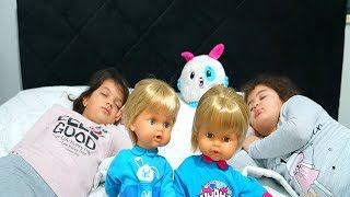 Masal ve Öykü'nün İkiz Bebekleri Kayboldu! Kids twin babies is lost - Funny Kids Video