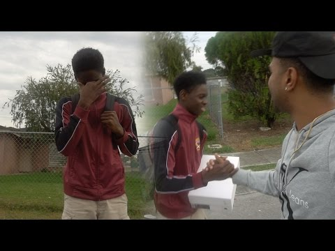 KID BREAKS DOWN IN TEARS WHEN GIVEN A PAIR OF OVO JORDAN 12'S!!    Welcome to my Hood VLOG!