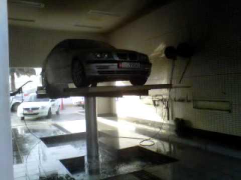Abu Dhabi car wash - washing part