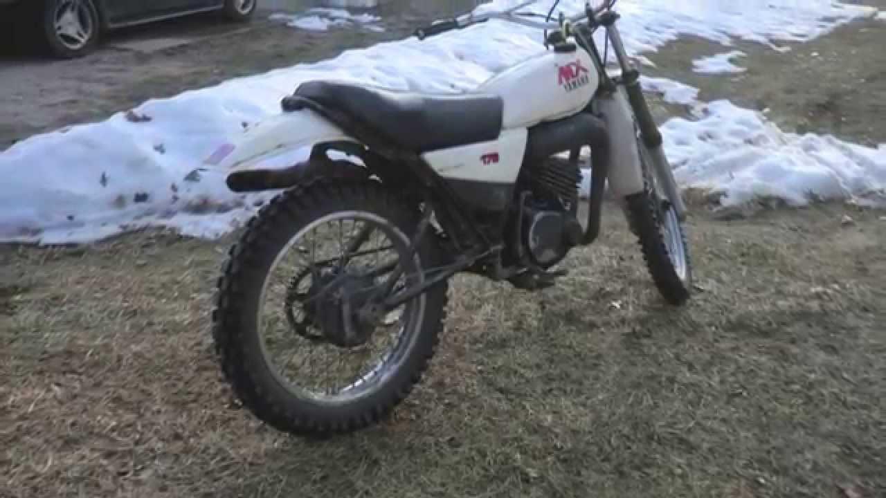 Yamaha 250 Dirt Bike >> Yamaha 175 MX Dirt Bike - Cold Start After Winter - YouTube