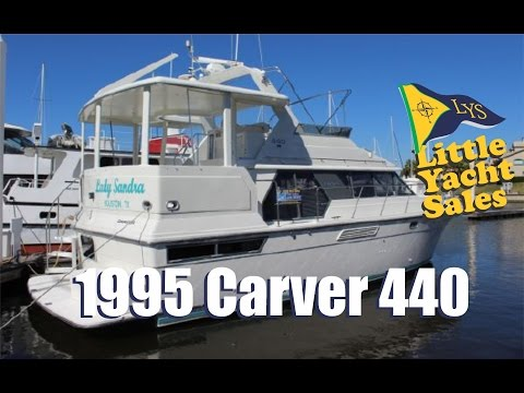 1995 Carver 440 aft cabin Motor Yacht for sale at Little Yacht Sales, Kemah Texas