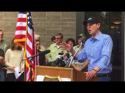 Wyden lauds, thanks new chief of U.S. Forest Service