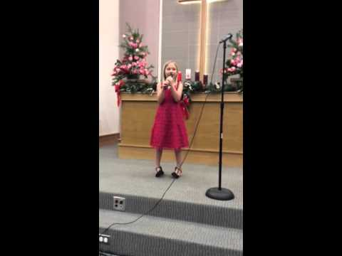 "American girl sings O holy Night ""Dem Thanh"" in Vietnamese"