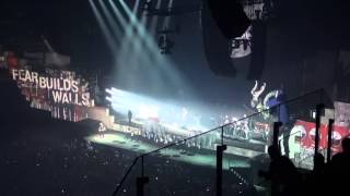 ROGER WATERS (PINK FLOYD) - THE WALL - Another Brick In The Wall - 7.8.2013 - O2 Arena - Praha - HD