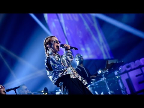 Jess Glynne - Don't Be So Hard On Yourself (Radio 1's Teen Awards 2016)