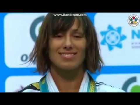 Judo :: Joana Ramos cerimónia de entrega da medalha de ouro no Grande Prémio de Astana em 2014