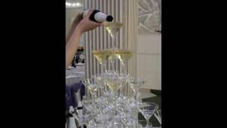 Пирамида шампанского в кафе Валенсия в Воронеже