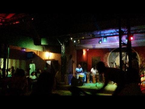 Live CLUB AFRICA: maestro en action